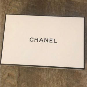 Chanel white box